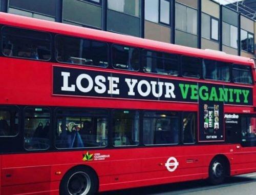 """""""Perde a tua Veganidade"""" - Posters da Pro-Vegan vistos em autocarros no UK"""