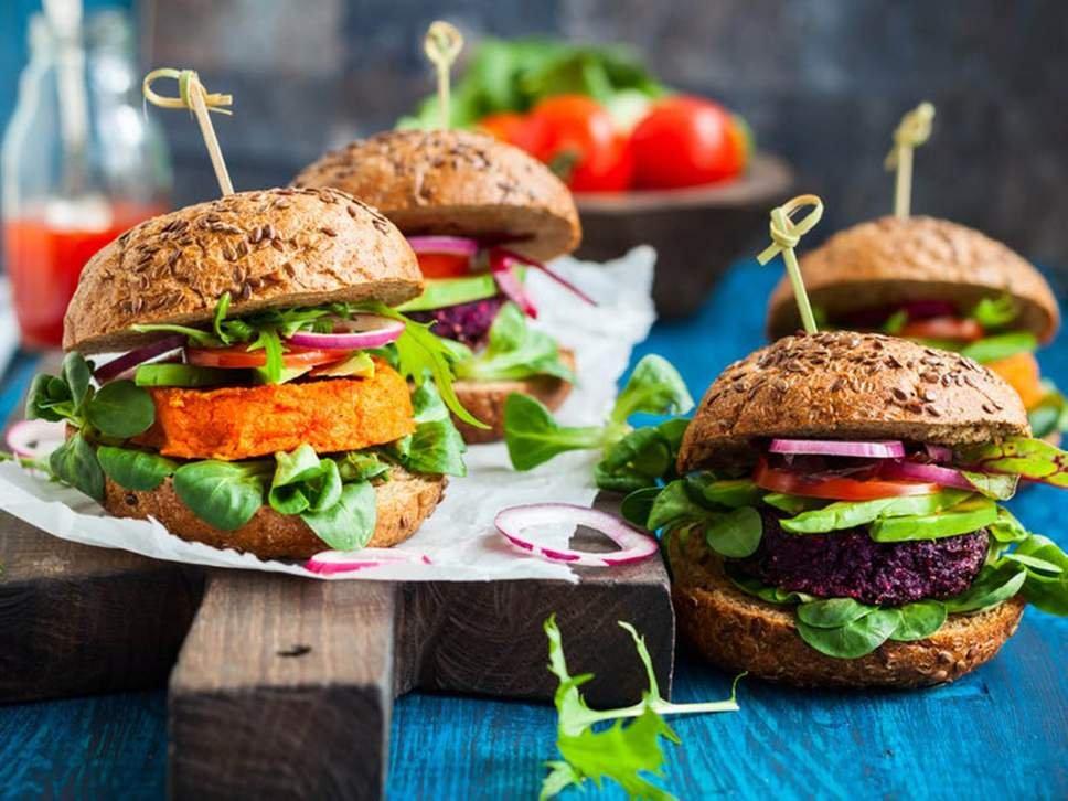 """Activistas contra a proibição do nome """"hambúrguer vegetariano"""" na UE"""